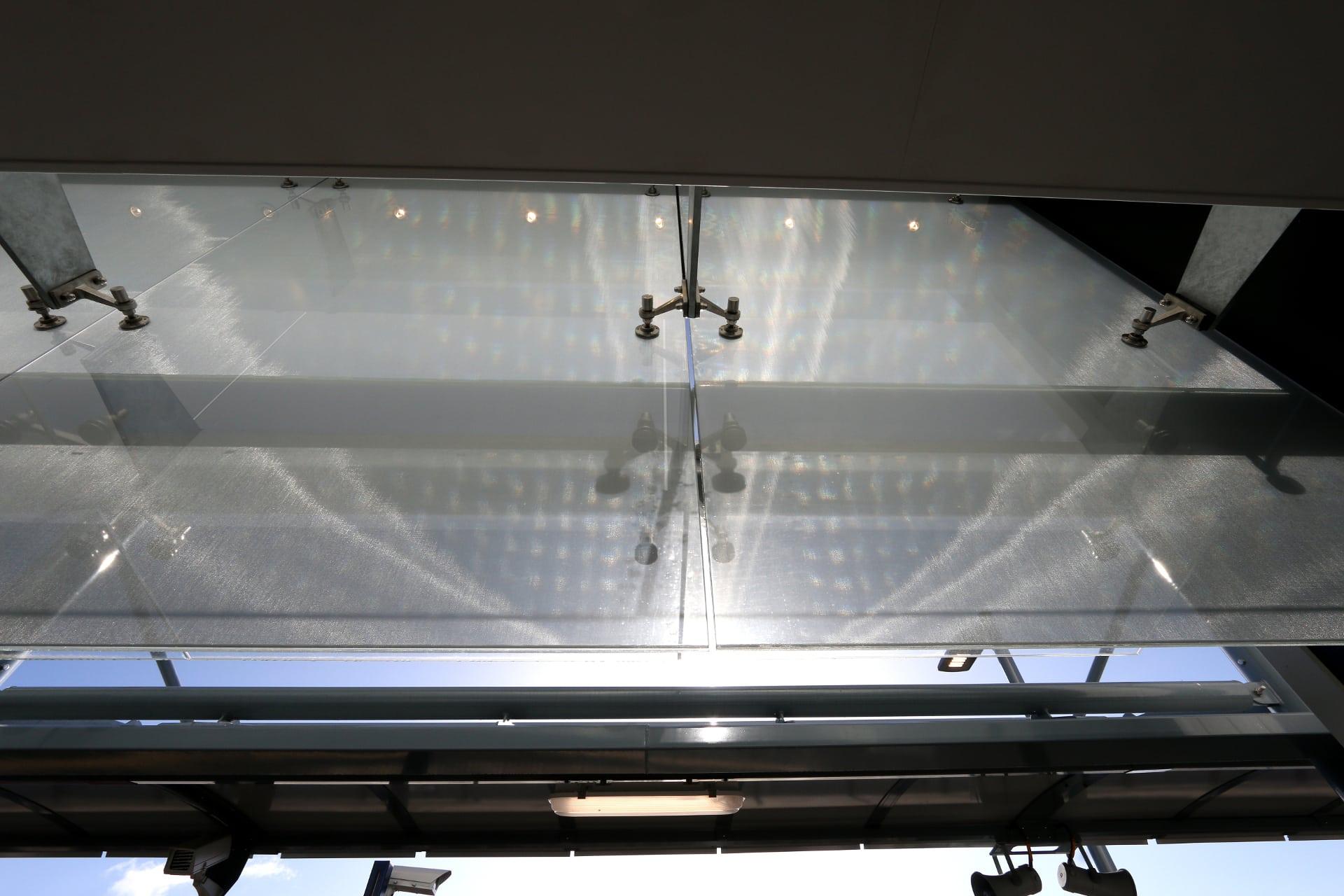 Frameless Glass Facade
