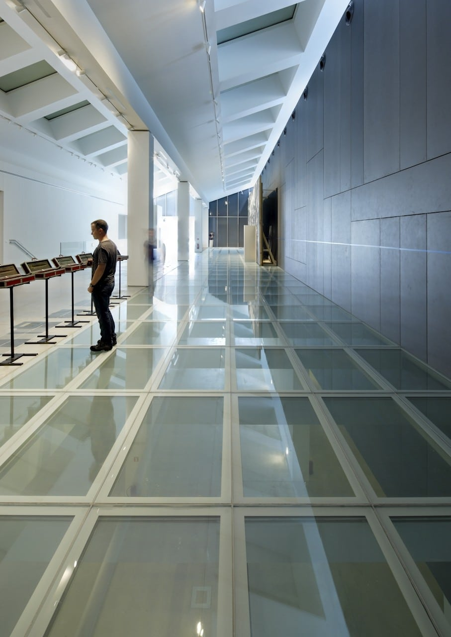 Fire rating glass floor commercial building
