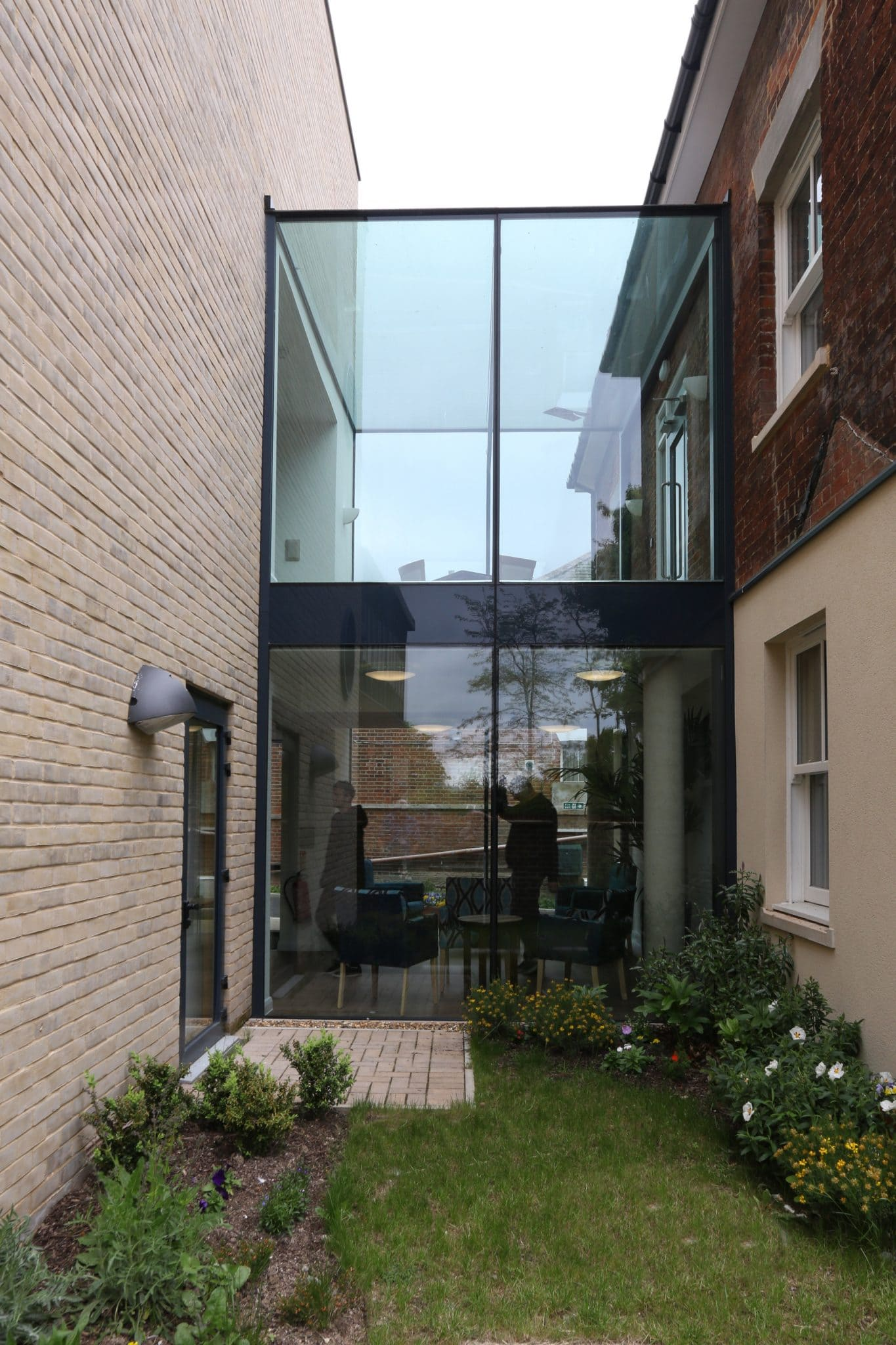 Glass Box Extension Structural Glass Link