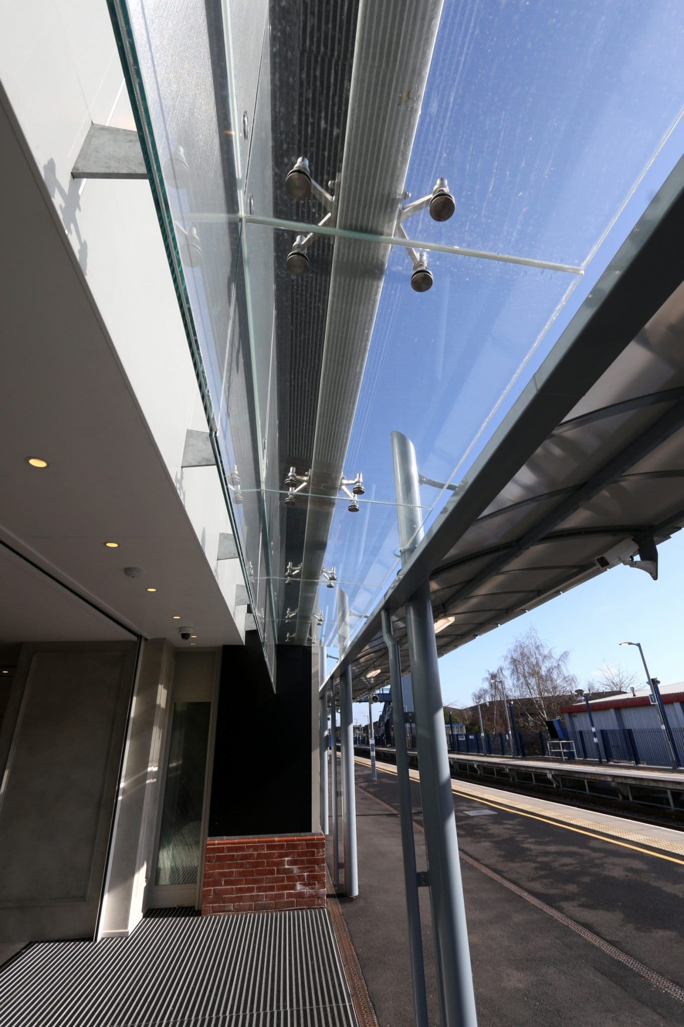 Structural Glass Roof Link