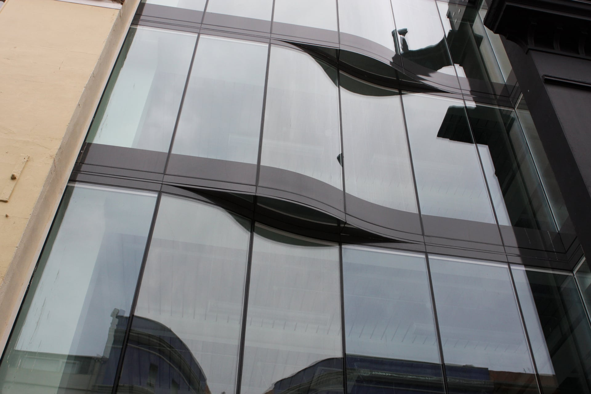Frameless Glass Facades