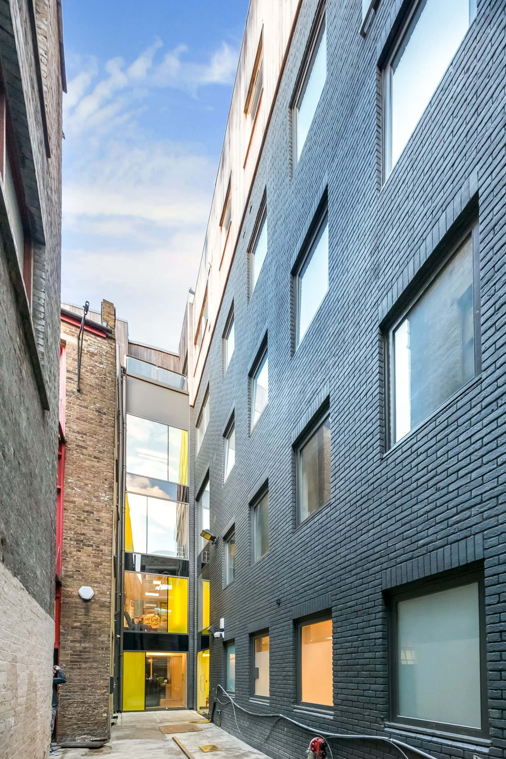 bespoke structural glazing design on a contemporary shoreditch office