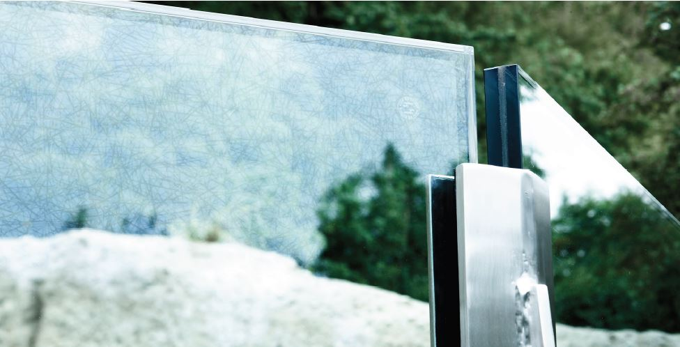 Transparent patterns on glass