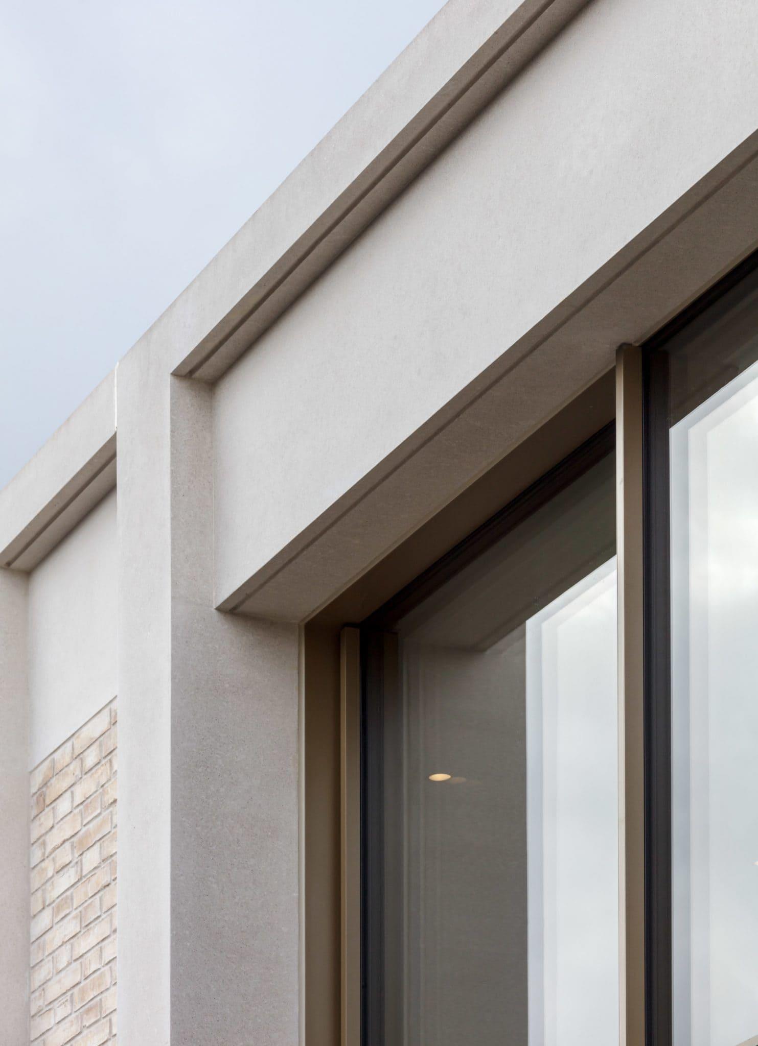 Aluminium window meeting stone