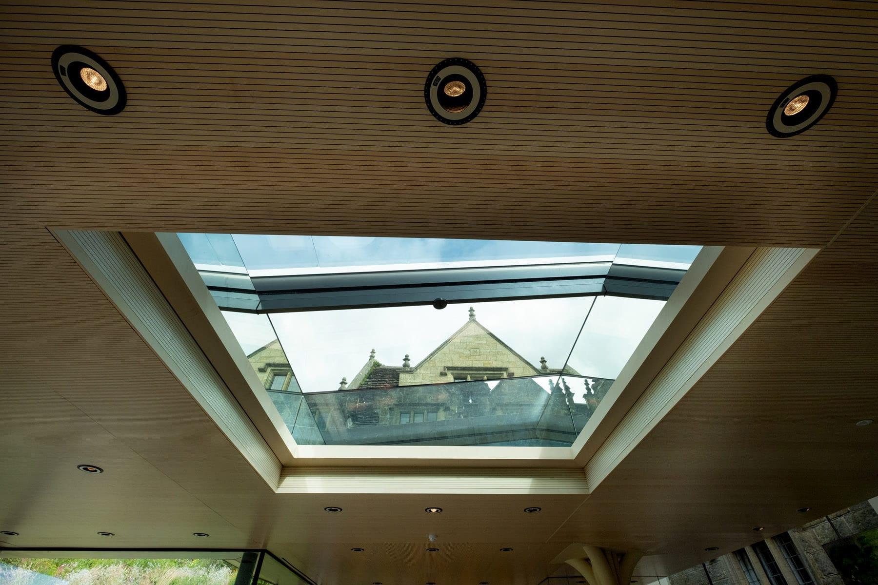 Electric sliding rooflight