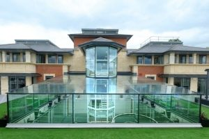 IQ Projects bespoke structural glazing