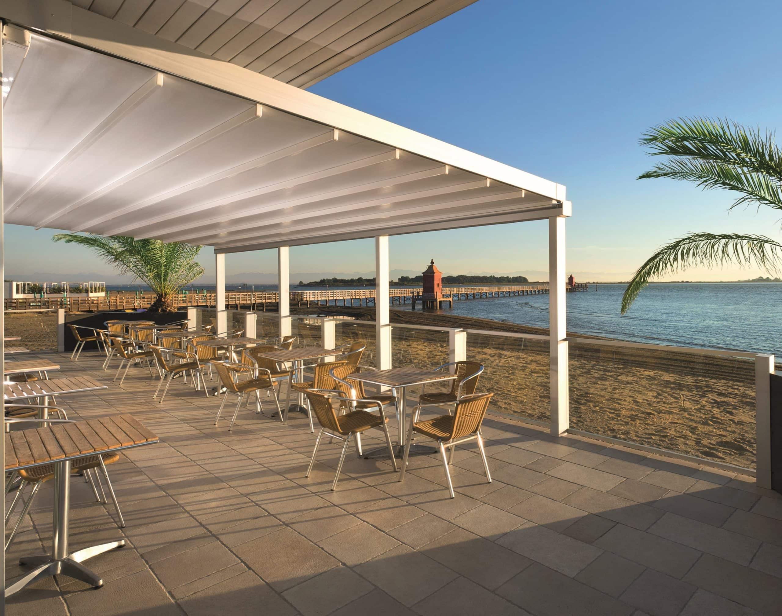 Lourve roof systems - aluminium solar shading shelter
