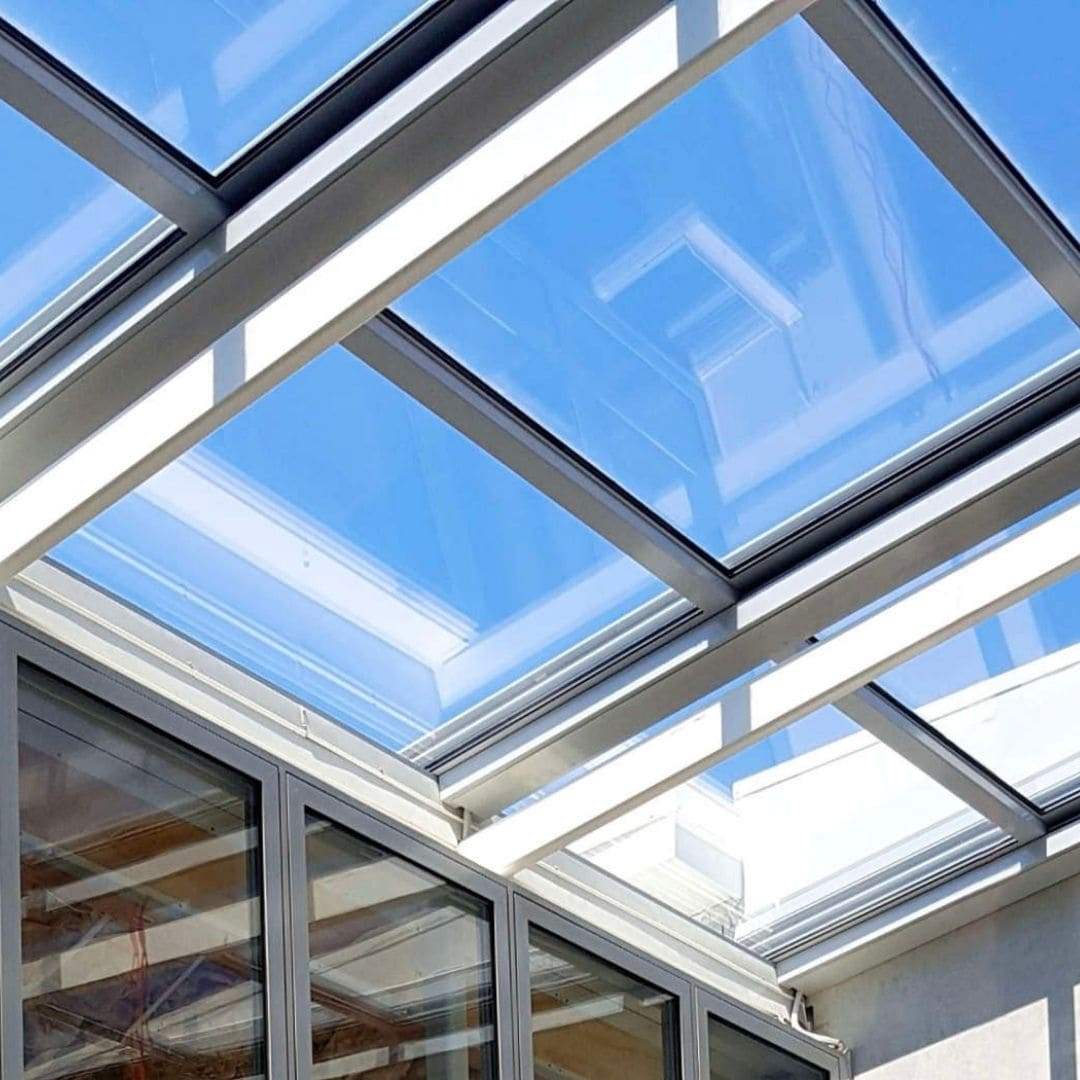 close up shot of the aluminium framed retractable glass roof