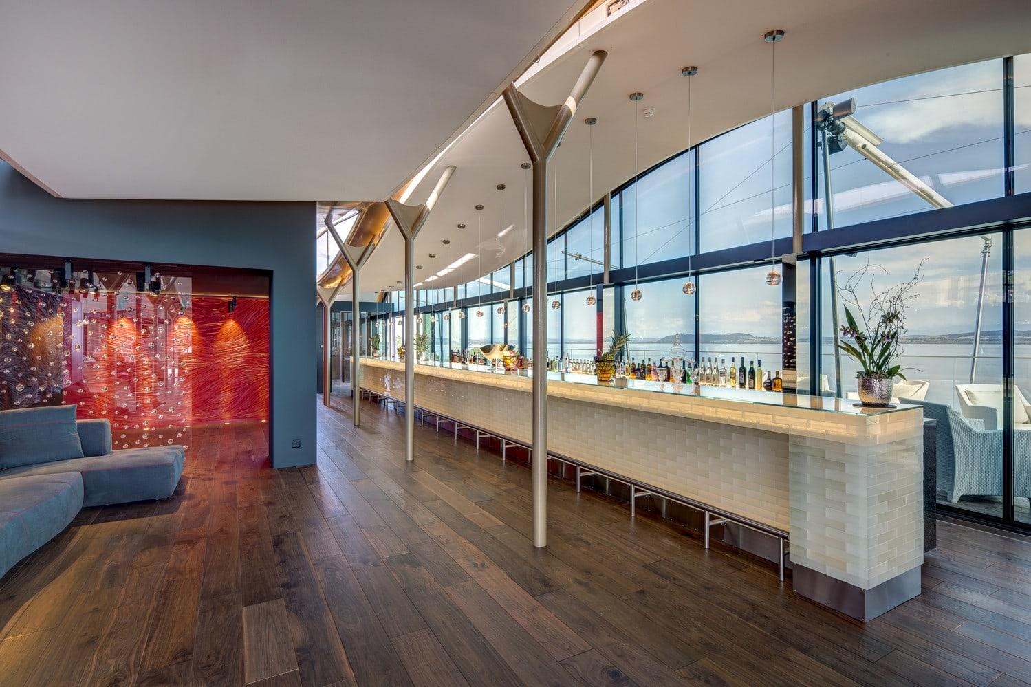 electrochromic glass used on the Best Western Premier Hotel Beaulac in Neuchâtel - Switzerland