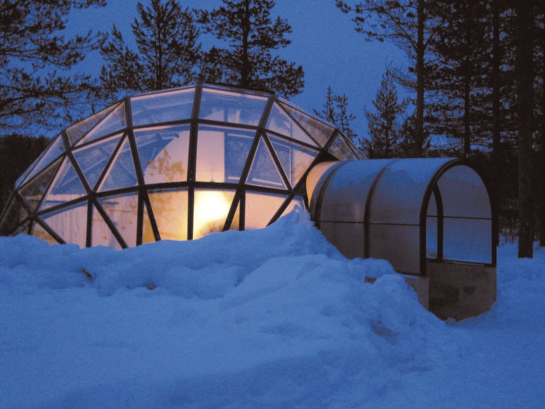 Heated Glass igloo Hotel room to prevent snow and ice build up