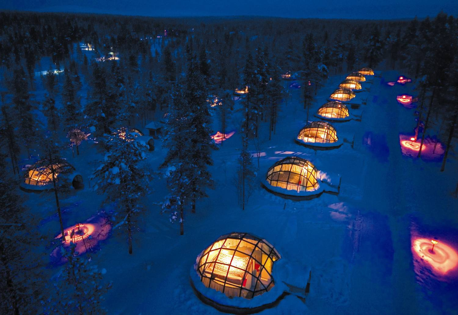 Heated Glass igloo Hotel rooms to prevent snow and ice build up