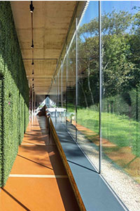 structural glass walls with frameless structural glazing