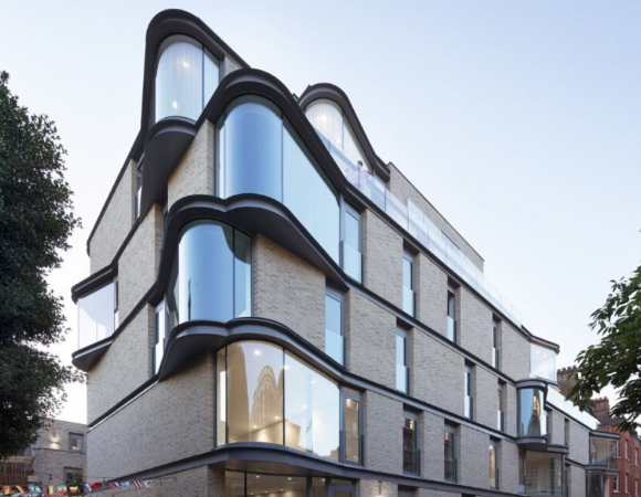 Traditional Bow Windows to High End Apartment Block in Westminster